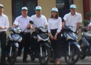 Lễ giao xe máy phục vụ công tác cho cán bộ tại Quỹ Bảo vệ và Phát triển rừng tỉnh Đắk Lắk