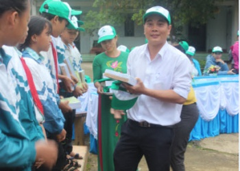Trường THCS Lê Đình Chinh xã Ea Riêng huyện M'Đrăk – Điểm trường cuối của chương trình đồng hành cùng học sinh đến trường năm 2019
