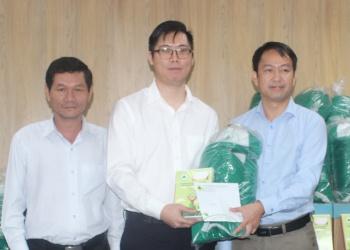 Quỹ Bảo vệ và Phát triển rừng tỉnh Đắk Lắk ủng hộ đồng bào miền Trung