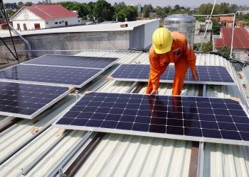 Tăng cường quản lý lắp đặt hệ thống điện mặt trời mái nhà trên địa bàn tỉnh