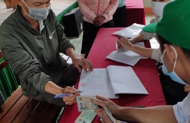 Chi tạm ứng tiền DVMTR năm 2021 cho hộ nhận khoán bảo vệ rừng tại xã Yang Mao